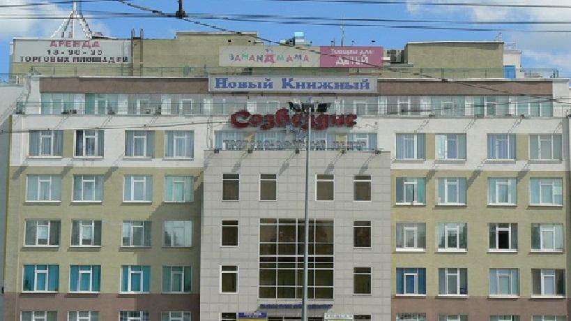 polnie-devushki-s-krasivoy-pizdoy